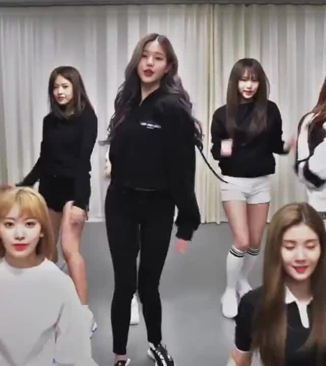 izone, jang, jang wonyoung, wonyoung, 아이즈원, 장원영, beautiful wonyoung GIFs