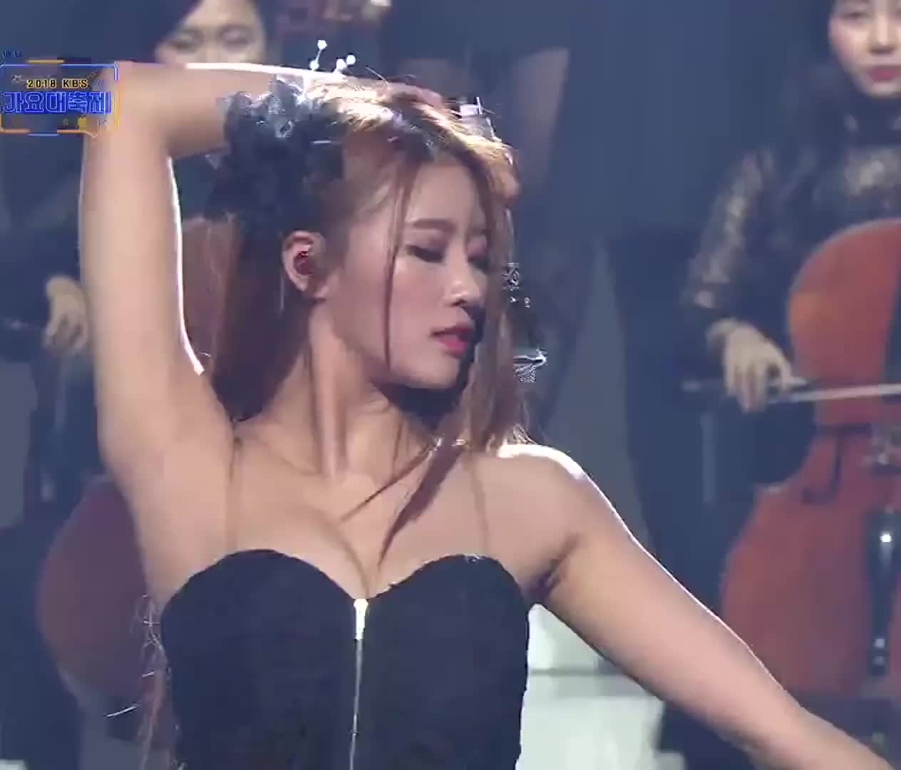 kpop, lovelyz, mijoo, music, KBS가요대축제 -러블리즈 - Intro + 그날의 너 20181228 GIFs