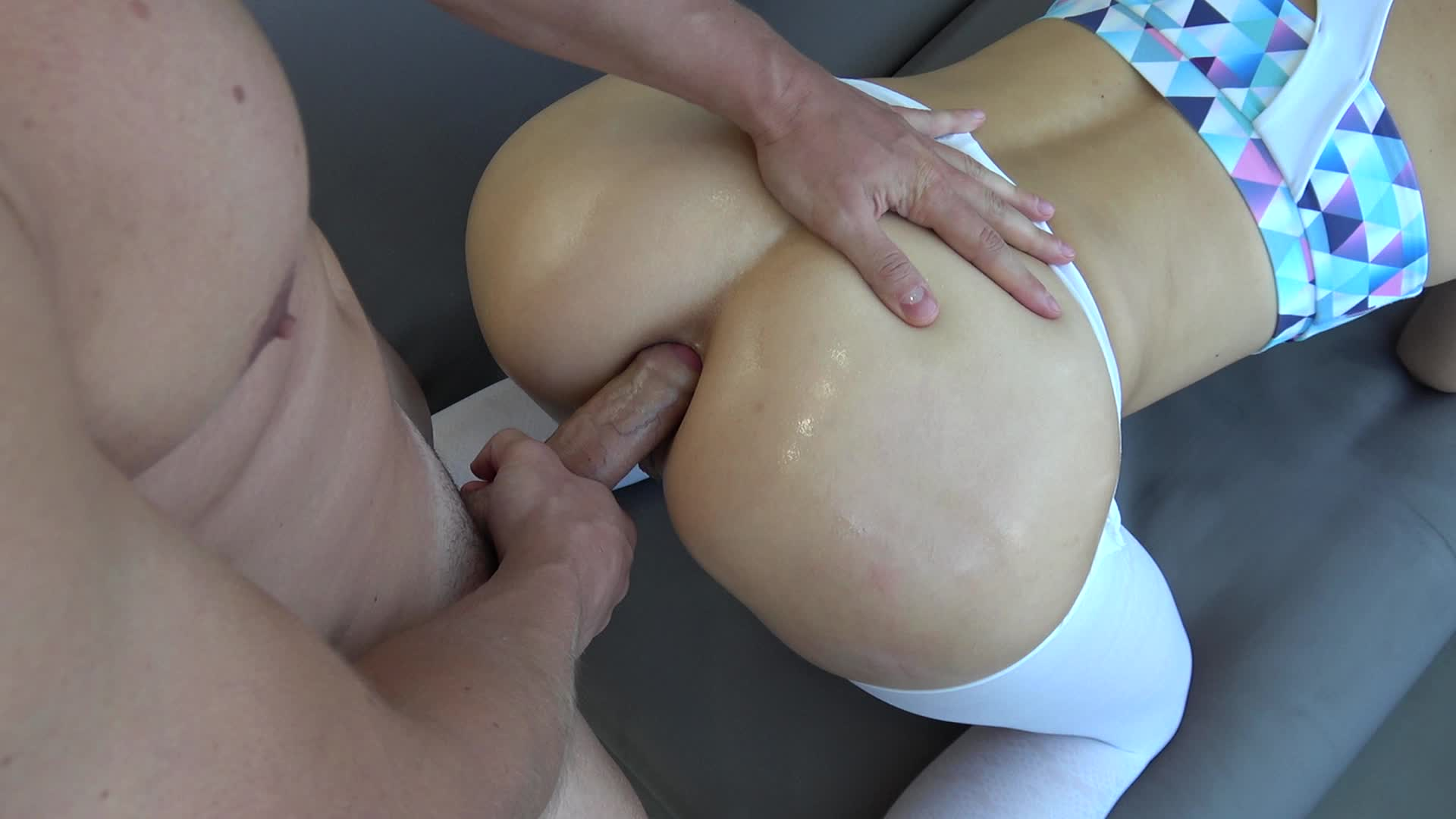 Pawg Stuffs Her Tight Exit Hole For Anal Sex Day