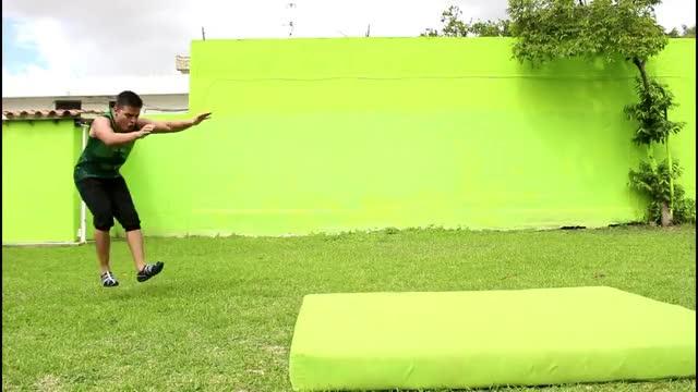 Watch Como hacer flic flac ADELANTE | Paloma con 2 pies - Tutorial Gimnasia GIF on Gfycat. Discover more vueltas GIFs on Gfycat