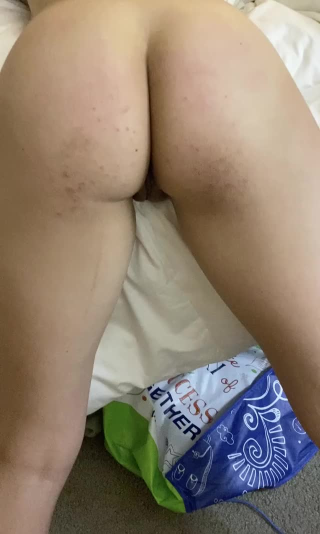 a sexy shake, bout to make my dick break. Likeminded couples Pm us.