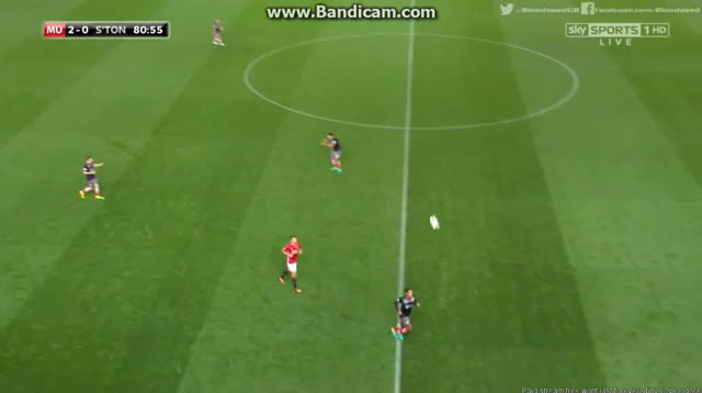Barca, mourinhogifs, reddevils, Great First touch from Mourinho GIFs