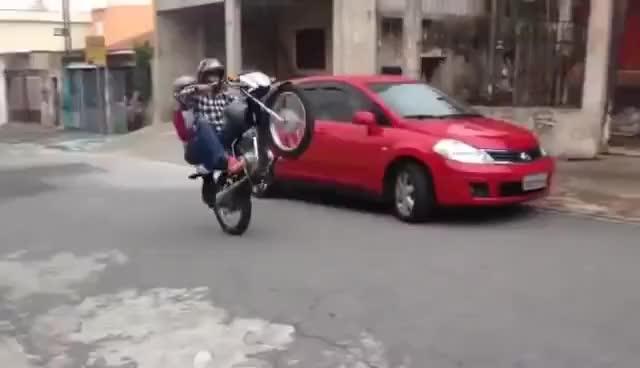Watch NOVINHA CAINDO FEIO NO GRAU DE MOTO - EXCLUSIVO! GIF on Gfycat. Discover more cajacity GIFs on Gfycat