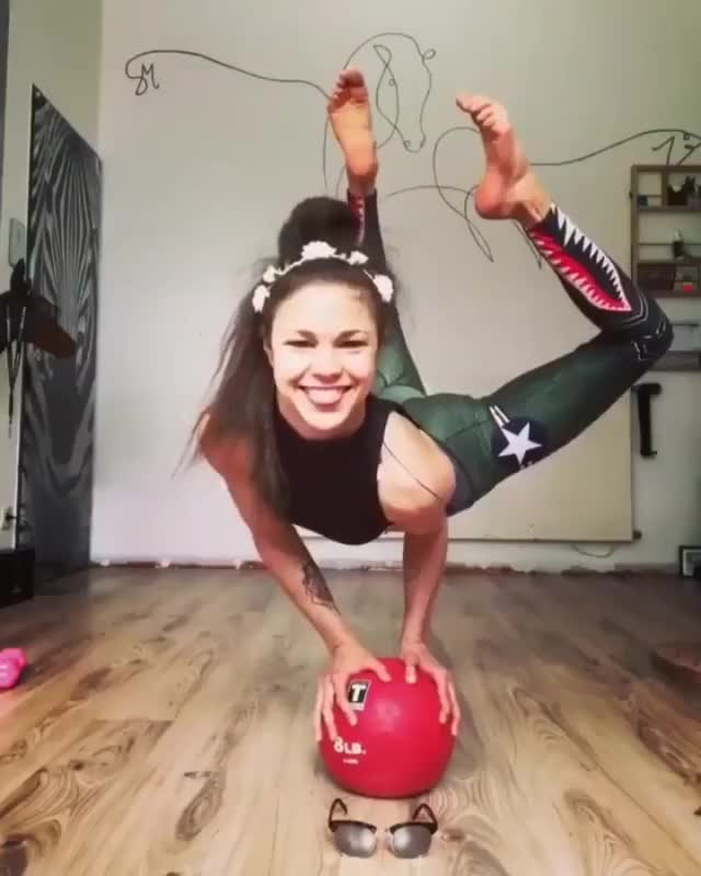 Watch and share Flexibility GIFs by FR on Gfycat