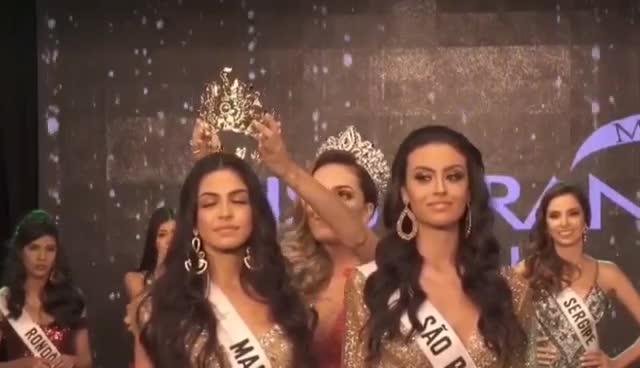 Lộ diện cựu hoa hậu ham vui nhất: Biết trước kết quả, ấn vương miện cho ai người đó thắng! ảnh 1