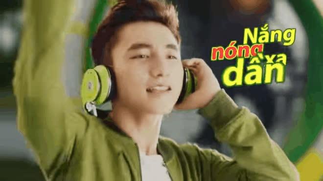 Cô gái đang dẫn đầu The Face Online hóa ra là hotgirl 9x từng đóng chung quảng cáo với Sơn Tùng M-TP