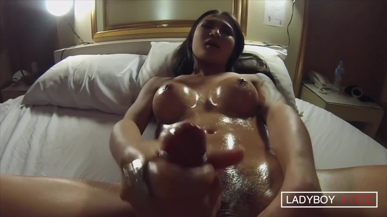 Benzey slow motion blowing a huge spurting load