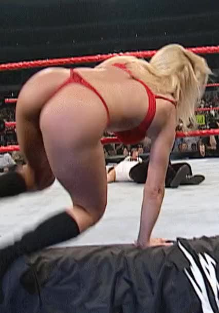 Trish Stratus ass in a thong