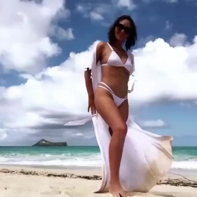 Watch this olivia munn GIF on Gfycat. Discover more Olivia Munn, olivia munn GIFs on Gfycat