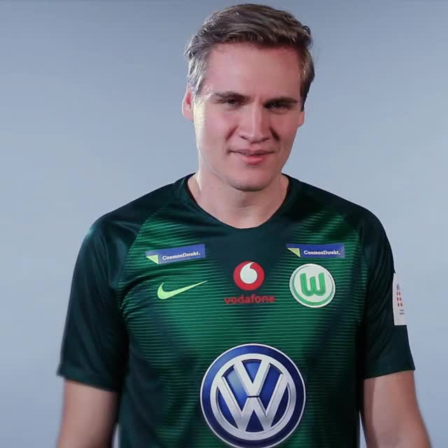 Watch and share BS Explain GIFs by VfL Wolfsburg on Gfycat