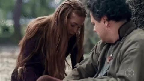 Globo - Esse olhar dele pra ela...sei não! #DeusSalveORei
