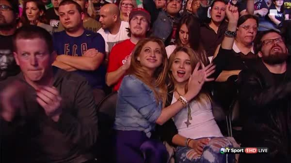 MMA, gifsthatendtoosoon, Camera cut at the wrong damn time. (reddit) GIFs