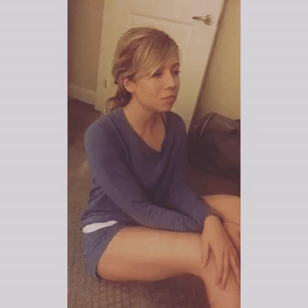 jennette mccurdy, Video by jennettemccurdy - Create, Discover and Share GIFs on Gfycat GIFs