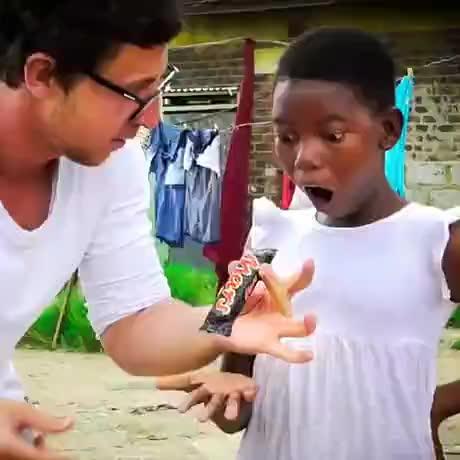 Showing magic to kids - gif