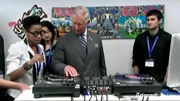 djs, prince charles, Prince Charles Djs hands GIFs