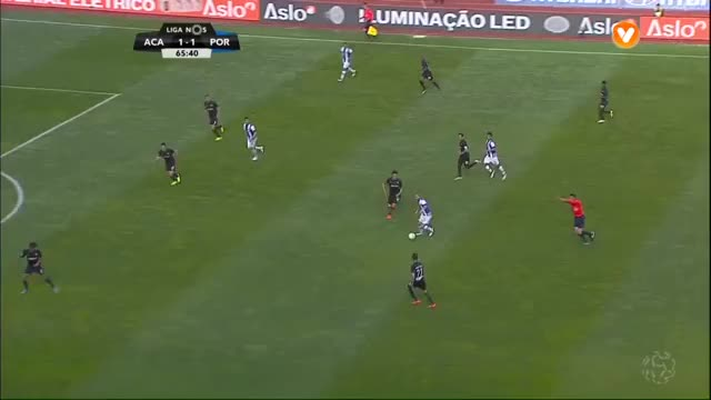 Watch and share FC Porto, Brahimi Aos 66', Académica 1-2 FC Porto GIFs by duffydick on Gfycat