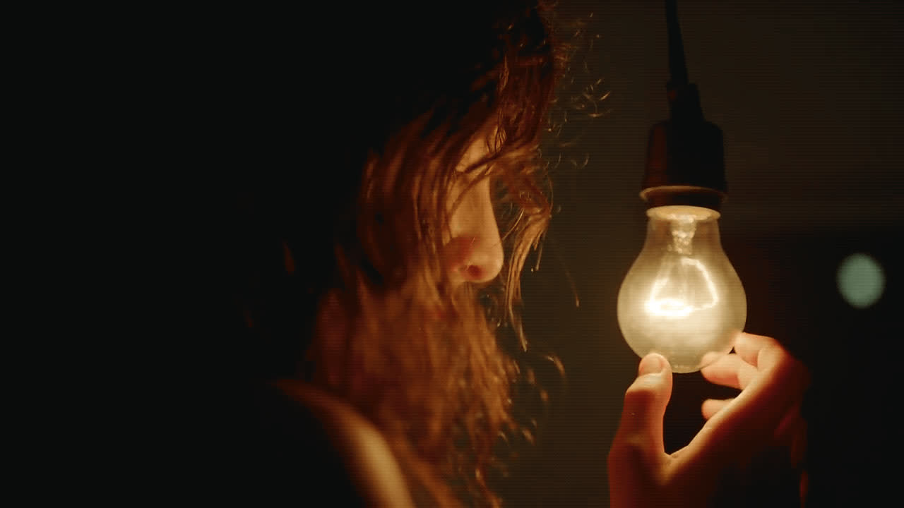 Lorde, crazy, daze, light bulb, perfect places, trance, Lorde Perfect Places GIFs
