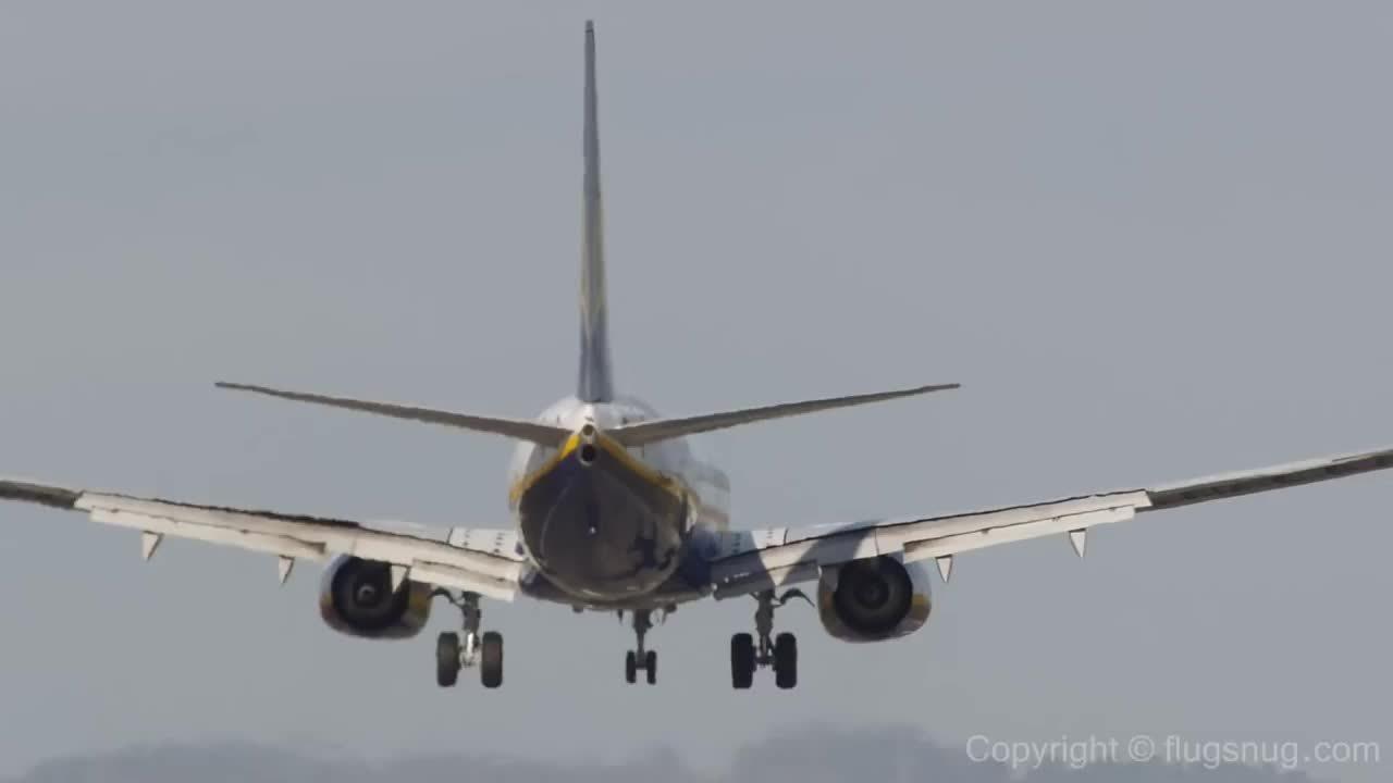 aviation, Challenging crosswind landing at BHX (reddit) GIFs