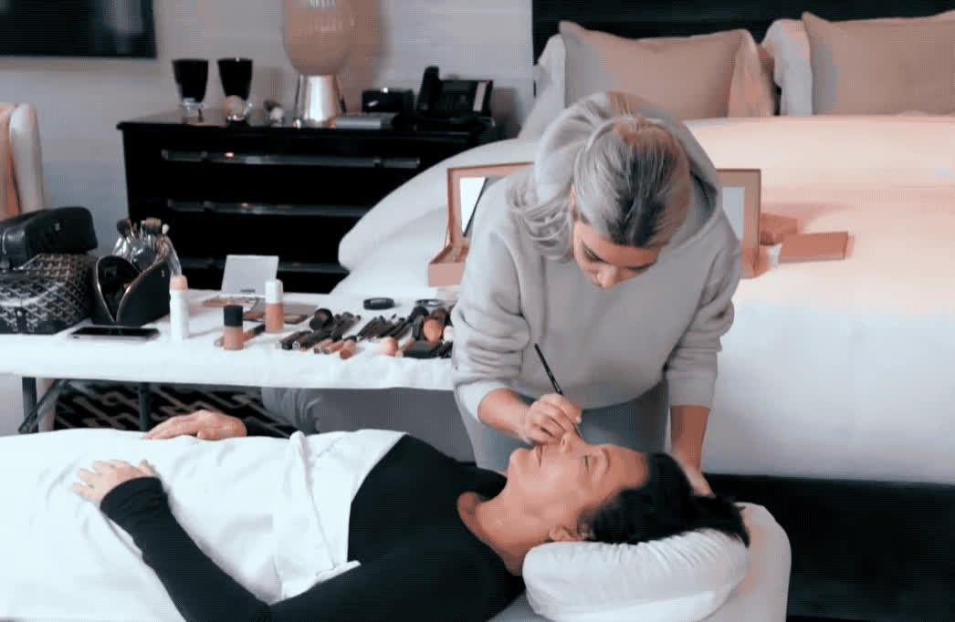 epic, funny, haha, jenner, kardashians, keeping, kim kardashian, kris, kuwtk, laugh, lol, make, makeup, mortician, prank, scare, scared, the, up, with, Kim practices mortician makeup on her mother GIFs