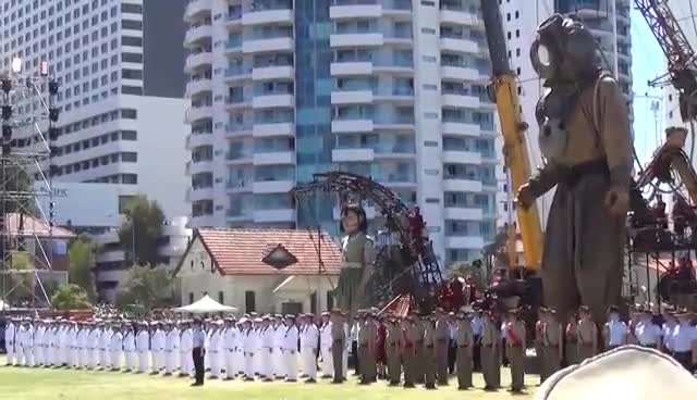 Day 3. The Giants. Diver and Little Girl Giant in Perth. Royal de Luxe. Perth, Australia GIFs