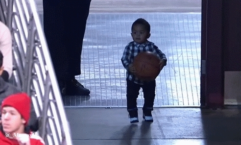 nba, nbaww, GIF: Derrick Rose kissing his son at the Bulls game (reddit) GIFs