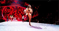 Watch Beauty is where you find it.. GIF on Gfycat. Discover more Alessandra Ambrosio, Birds of Paradise, Erin Heatherton, Fashion Show, Gifs, Gifset, Hilary Rhoda, Izabel Goulart, Jacquelyn Jablonski, Jourdan Dunn, Lais Ribeiro, Lindsay Ellingson, Magdalena Frackowiak, VSFS, VSFS 2013, Victoria's Secret, Victoria's Secret Fashion Show, troublefindsme GIFs on Gfycat