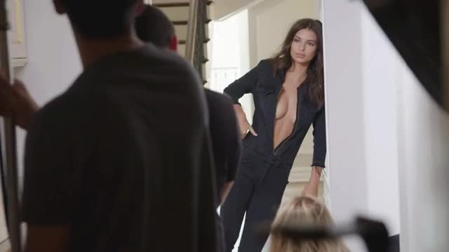 Watch and share Emily Ratajkowski GIFs and Model GIFs by shapesus on Gfycat
