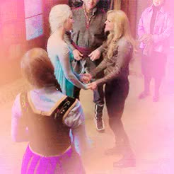 Watch swan frozen being adorable in 4x12 () (pt2) GIF on Gfycat. Discover more *, edits, elsa, elsa of arendelle, elsa x emma, emma swan, emma x elsa, frozen swan, fsedit, gif, gifs, once upon a time, ouat, ouatedit, queen elsa, sfedit, swan frozen GIFs on Gfycat