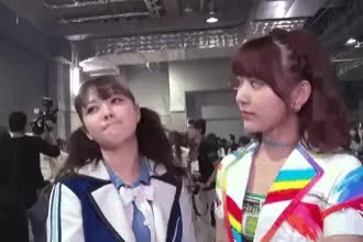 Watch and share Miyawaki Sakura GIFs and Murashige Anna GIFs by popocake on Gfycat