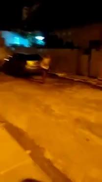 Watch and share Velho Taca O FODA-SE E Sai Correndo Da Mulher No Meio Da Briga GIFs on Gfycat