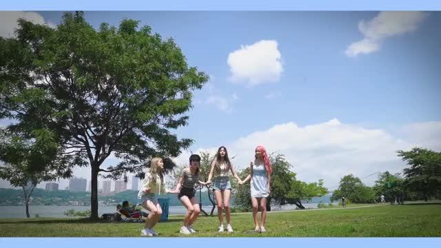 Watch and share プロデュース フォーティーエイト GIFs and Miyawaki Sakura GIFs by kira_yamato12 on Gfycat