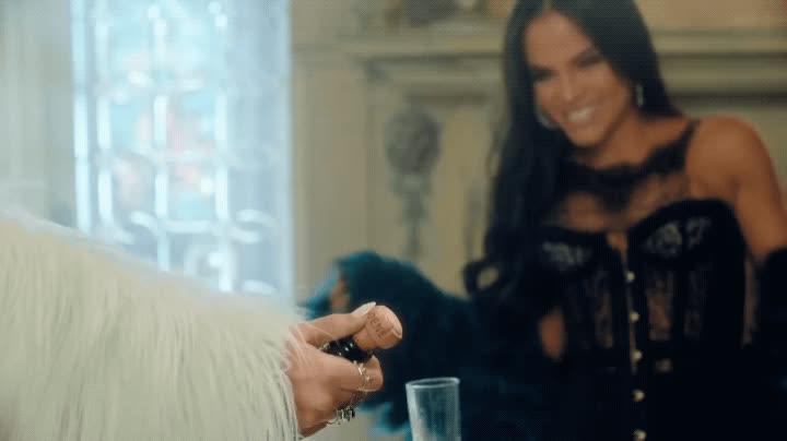 becky g, bubbly, celebrate, champagne, drinking, natti natasha, party, pop bottles, sin pijama, Becky G, Natti Natasha - Sin Pijama GIFs