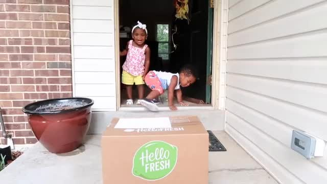 Watch JAXSON & JAYLA GET AN EXCITING PACKAGE IN THE MAIL!  👶🏽👶🏾😍 GIF on Gfycat. Discover more Jayla, Pregnancy, Twins, jaxson, life, reality, thesocialitelife, thesocialitelifetv, toddler, vloggers, vlogging GIFs on Gfycat