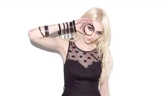 Watch this taylor momsen GIF on Gfycat. Discover more Momsen, Taylor, momsen, taylor, taylor momsen GIFs on Gfycat