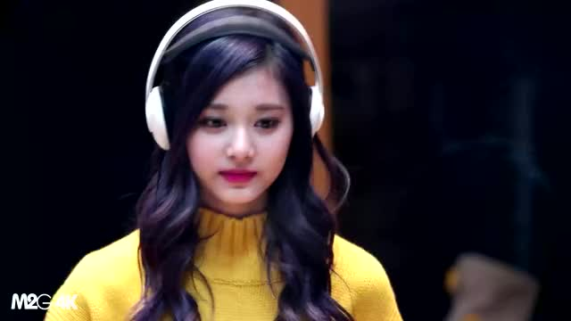 Watch and share Twice GIFs and Tzuyu GIFs by 러블리즈 on Gfycat