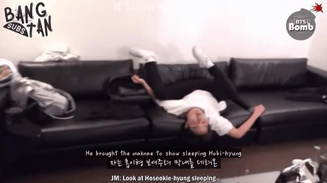 Hãy nhìn BTS để hiểu rõ thế nào là Đừng ngủ khi hội bạn thân còn thức