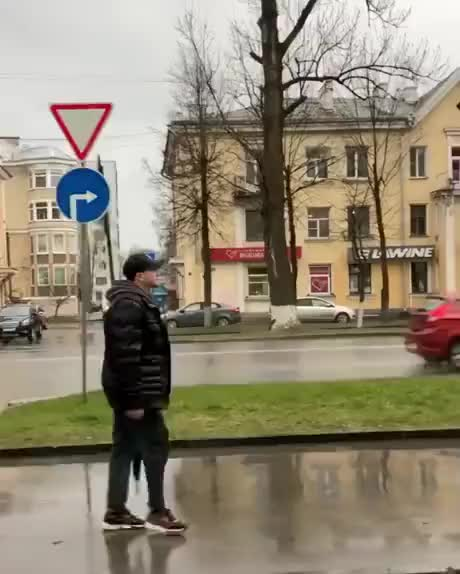 Watch and share Umbrella Trickshot GIFs by Gif-vif.com on Gfycat