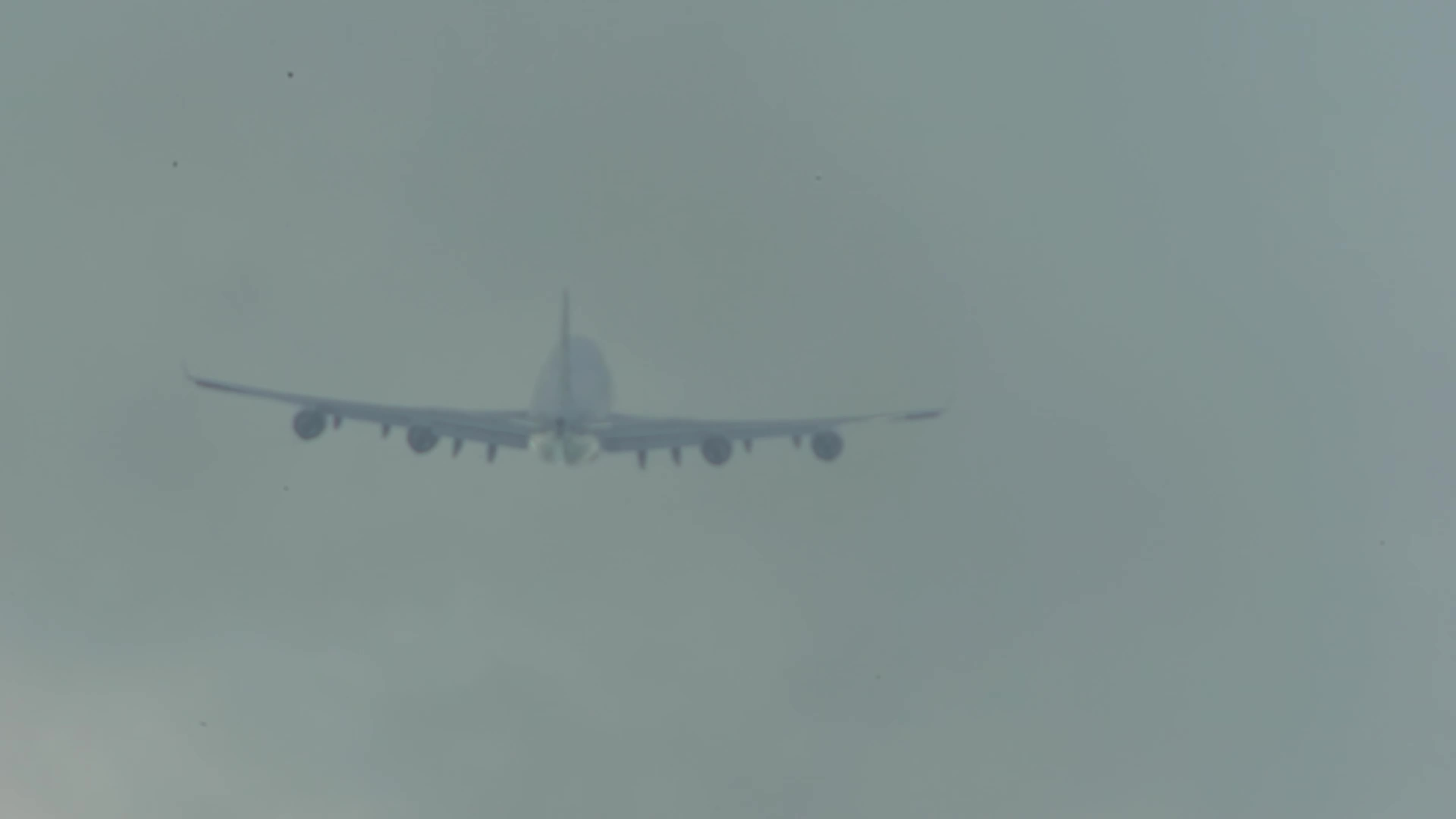 B747 CLOUD BRAKING, B747 new generation, BOEING 747 LANDING, Boeing 747 old generation, Boeing 747 reportage, Landing, Queen of the skies, arrival, landings, touchdown, The queen's spiral makes the clouds white GIFs