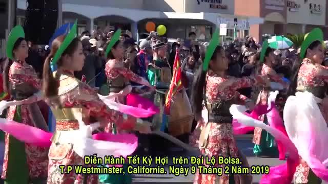 Watch Diễn Hành Tết Kỷ Hợi trên Đại Lộ Bolsa. Little Sài Gòn, California. Feb 2, 2019 GIF on Gfycat. Discover more 2019 GIFs on Gfycat
