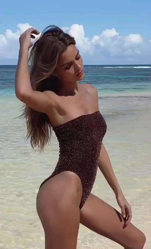 Watch and share Josephine Skriver GIFs by panda on Gfycat