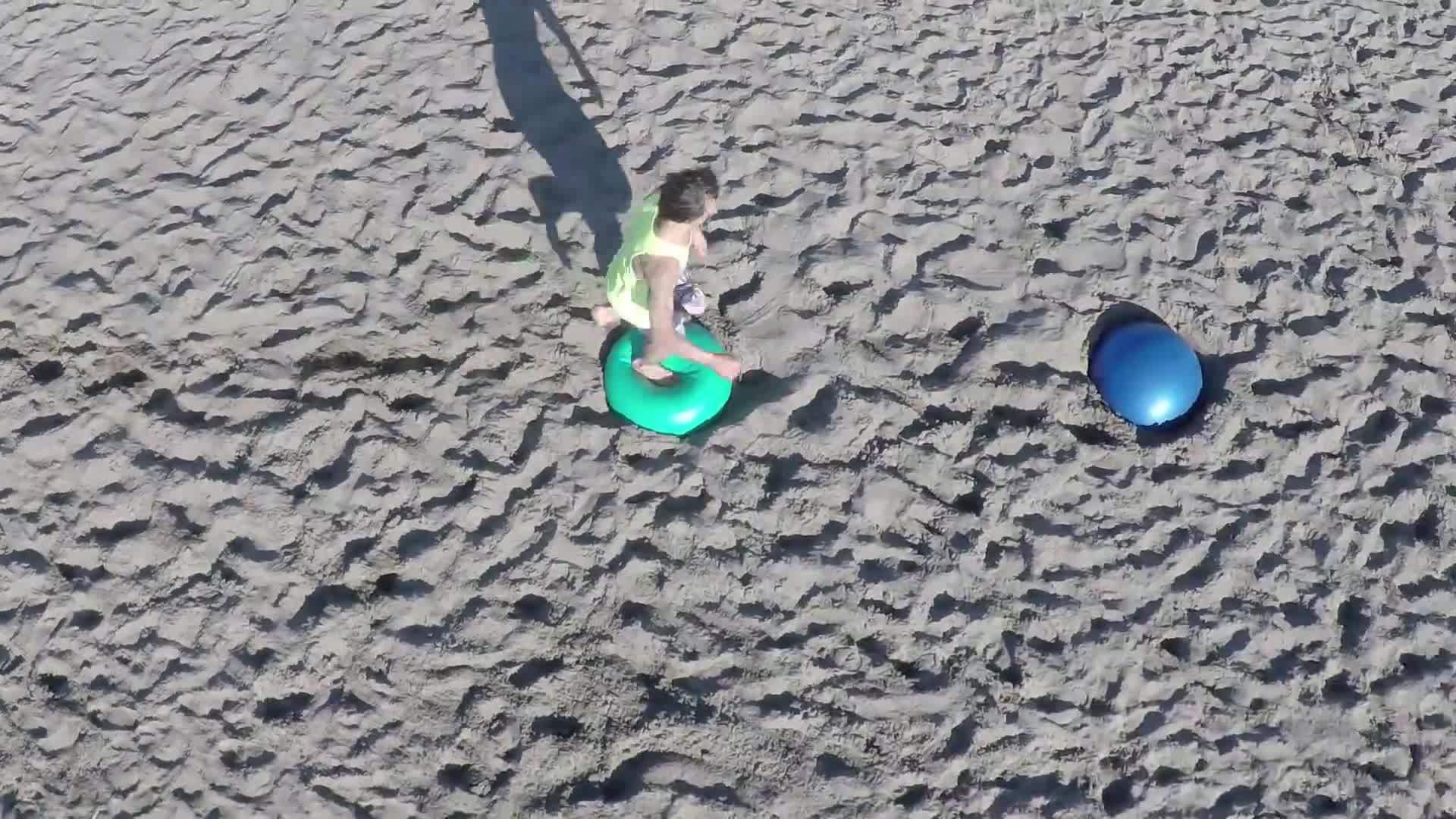 free, freerunning, running, Yoga Ball Tricking on a Beach / Freerunning / Acrobatics GIFs