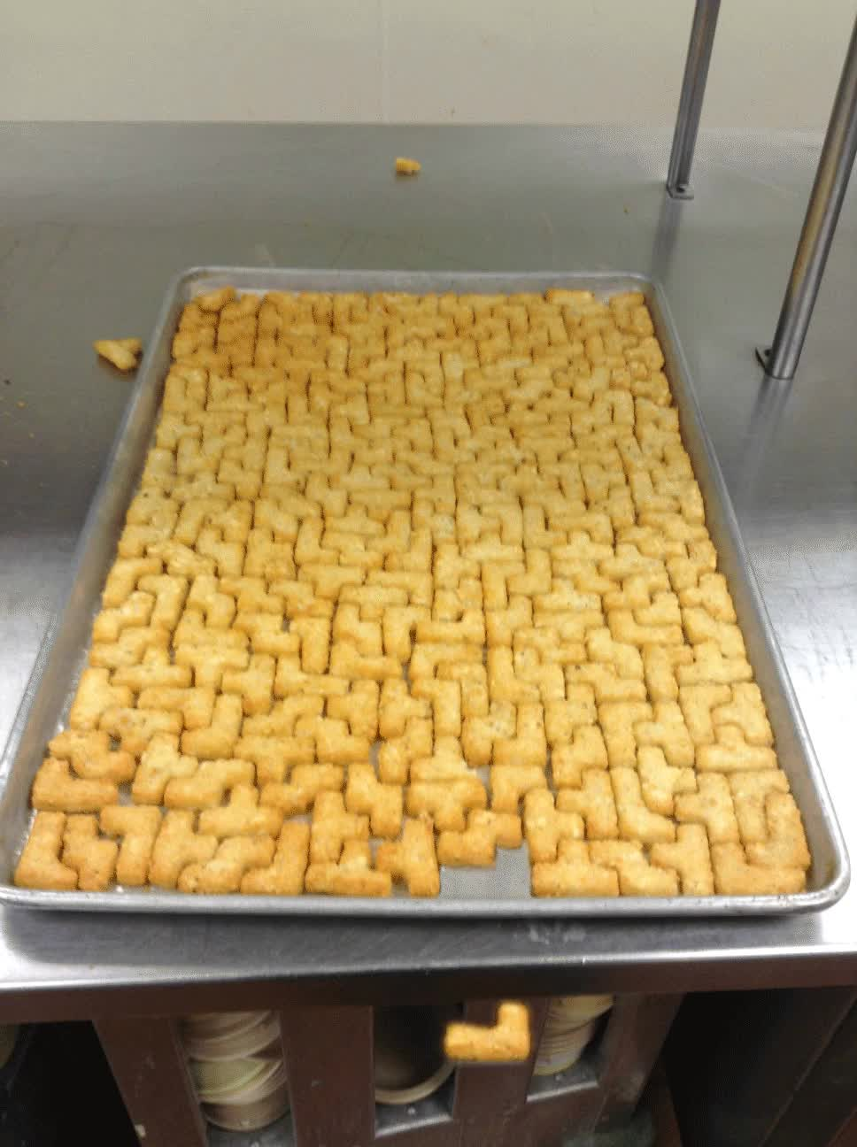 How these tater tots fit together. : oddlysatisfying GIFs