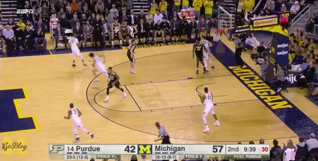 Watch and share Derrick Walton GIFs and Xavier Simpson GIFs by Ace Anbender on Gfycat