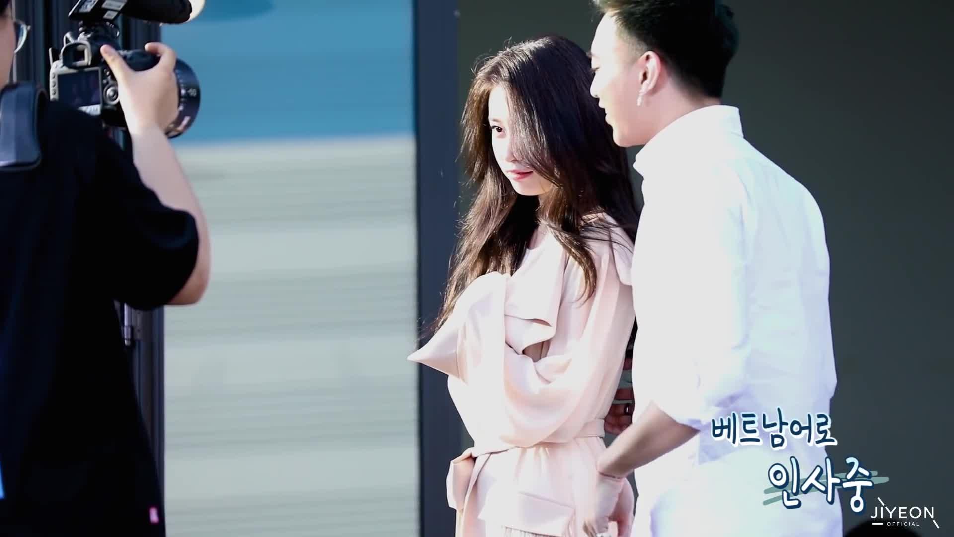 Clip: Rung rinh với khoảnh khắc Jiyeon cười thả ga bên cạnh 1 Soobin ngượng đỏ cả mặt