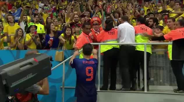 soccer, worldcup, Van Persie giving a gift to a Dutch fan at the awards ceremony (reddit) GIFs