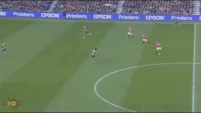 Watch and share Memphis Depay First Touch Vs Arsenal GIFs by Эстетика Футбола on Gfycat