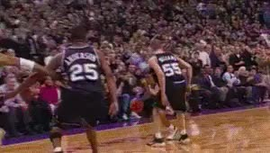 Watch Muggsy Bogues and Vince Carter  Toronto Raptors GIF on Gfycat. Discover more 010600, 199900, 2000s, Basketball, Dunk, Muggsy Bogues, NBA, Oop, Toronto Raptors, Vince Carter, gif GIFs on Gfycat