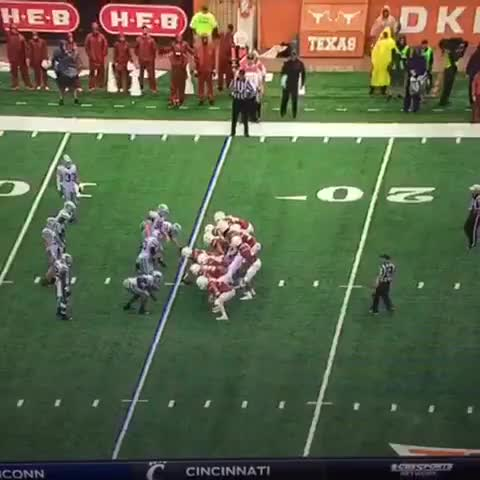 Watch The Landry Hitch GIF by @rblancarte on Gfycat. Discover more Football, Longhorns, longhornnation GIFs on Gfycat