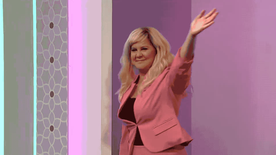 adios, amy, best, bye, cu, goodbye, hello, hey, hi, knows, live, mother, night, saturday, schumer, see, snl, soon, wave, you, Bye bye - Mother knows best SNL GIFs