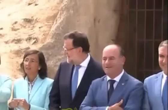 Watch Mariano Rajoy: Presidente de España (y sus manos) GIF on Gfycat. Discover more related GIFs on Gfycat